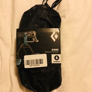 Brand NEW Black Diamond Zone climbing harness